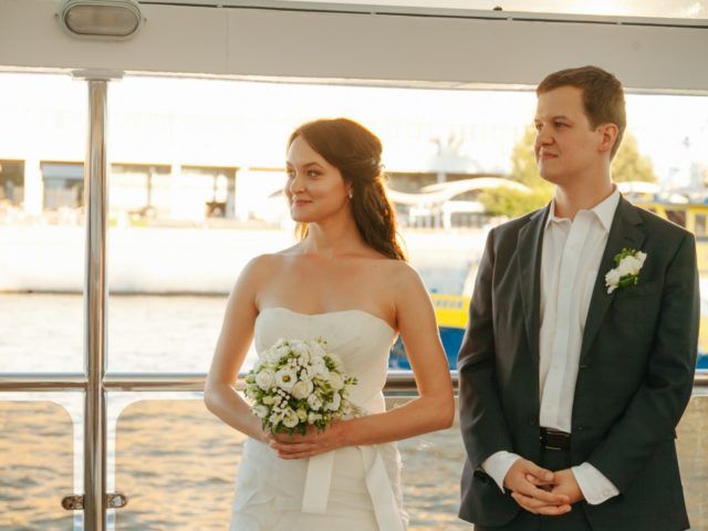 Свадебная церемония на корабле