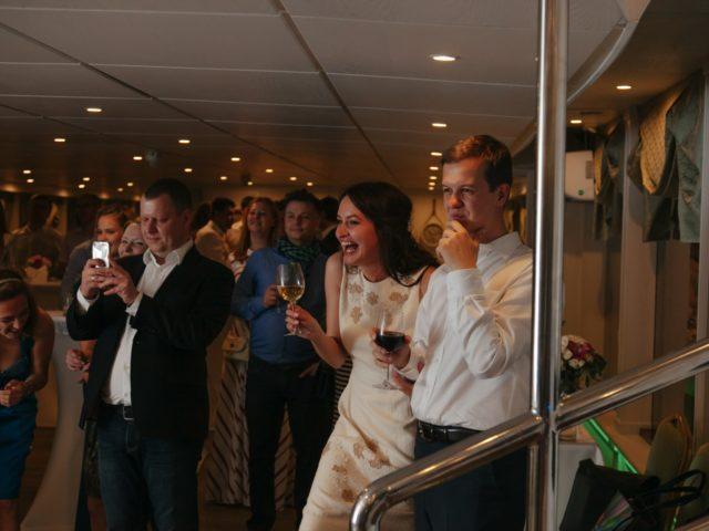 Сплошной позитив на свадебной вечеринке