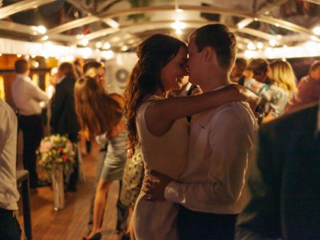 Танец молодожёнов на свадьбе