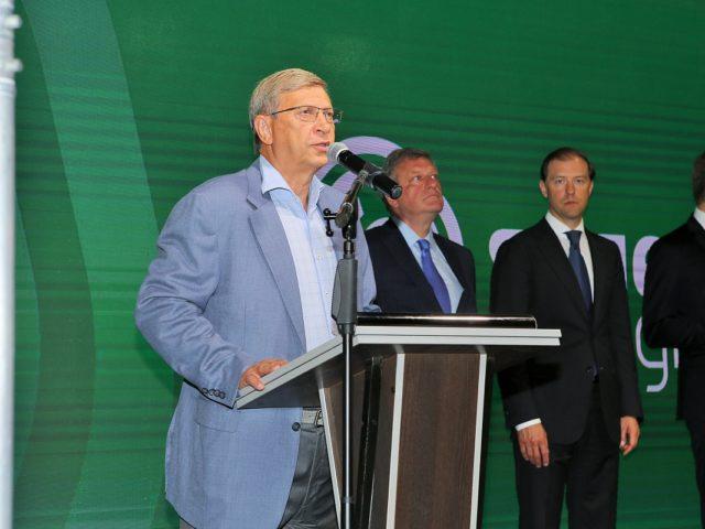 Председатель Совета директоров АФК Система Владимир Петрович Евтушенков на церемонии открытия производства