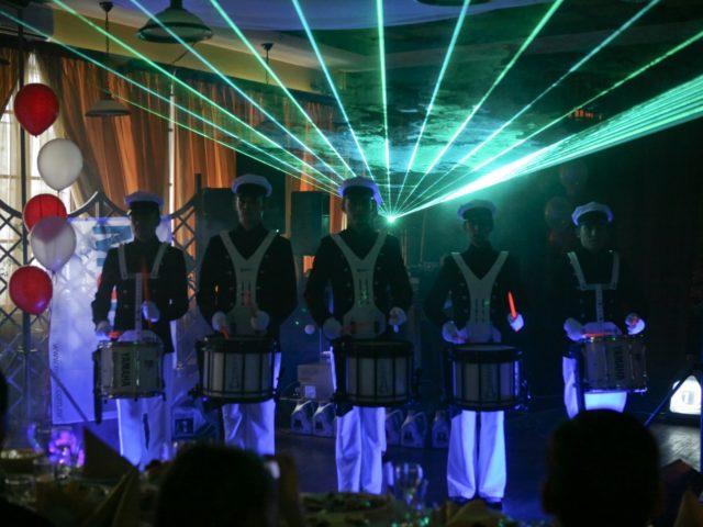 Шоу барабанщиков с поддержкой лазерного шоу