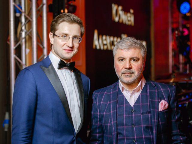 Ведущий Роман Акимов и Сосо Павлиашвили в Ритц Карлтон