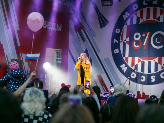 Беременная Рита Дакота блестящее выступление
