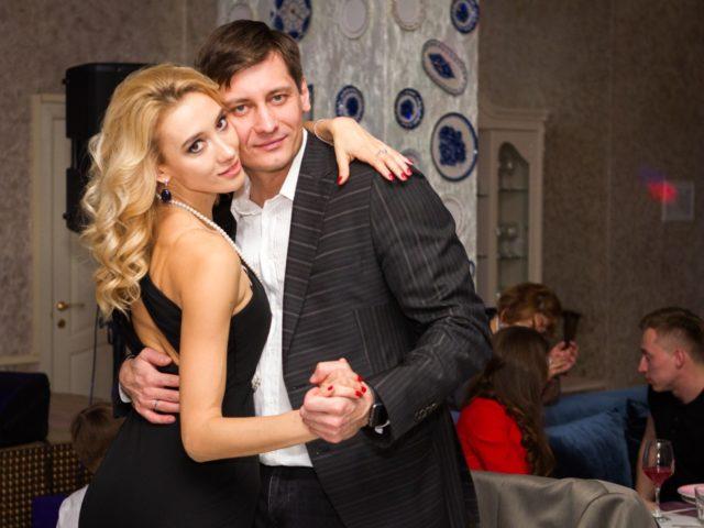 Счастливая и красивая пара Валерия и Дмитрий Гудковы