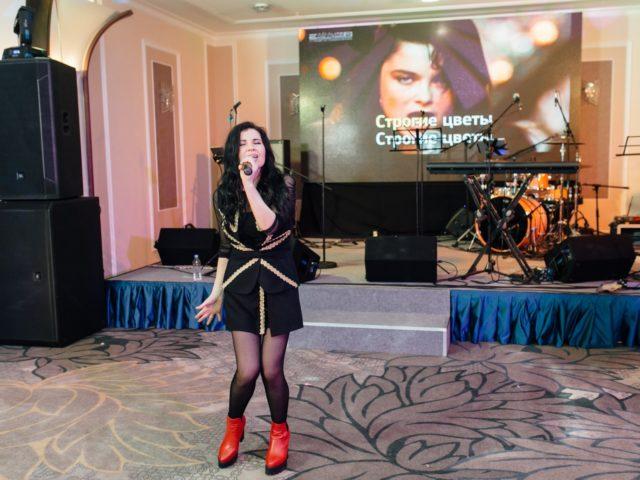 Наташа Королёва на корпоративном шоу Голос