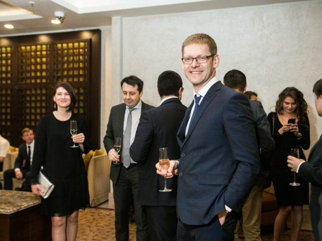 Сбор гостей на праздник в отеле Марриотт