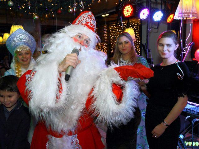 Новогодние конкурсы от Деда Мороза и Снегурочки