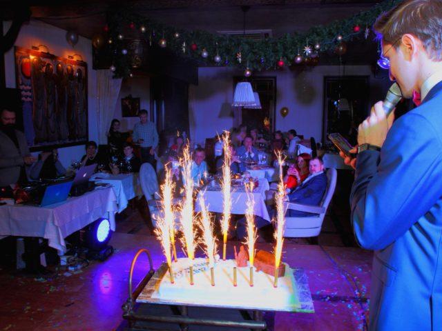 Новогодний торт в ресторане Ноев Ковчег