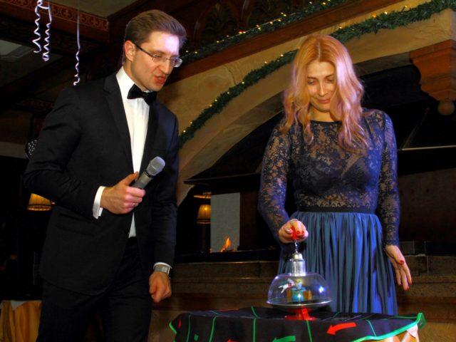 Интеллектуально гангстерское казино на Новогодней вечеринке в стиле Великий Гэтсби