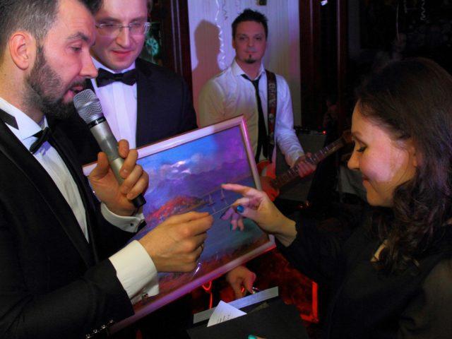 Денис Клявер и Роман Акимов разыгрывают главный приз картину