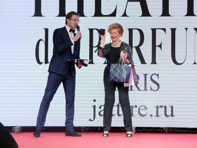 Ведущий Юбилея журнала Эстет Роман Акимов и Регина Шрекер
