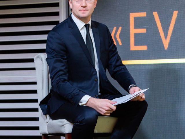 Ведущий деловой программы модератор встречи Роман Акимов