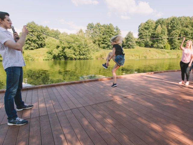Прыжки через скакалку позволяют в перерывах заработать дополнительные бонусы