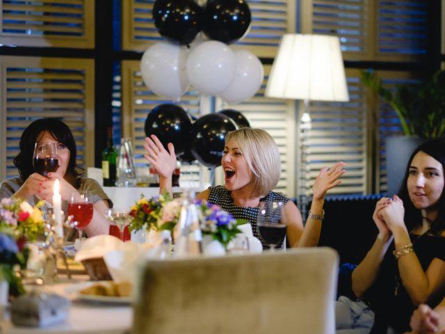 Эмоции гостей на Дне Рождения салона красоты