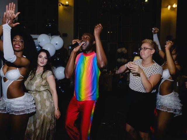 Танцевальный мастер класс от бразильского шоу на празднике