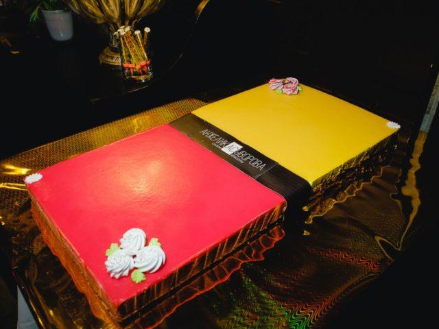 Торт на День Рождения салона красоты Анжелики Суворовой