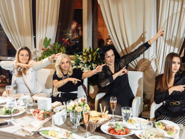 Сидячие танцы от участников Танцы со звёздами на ТНТ
