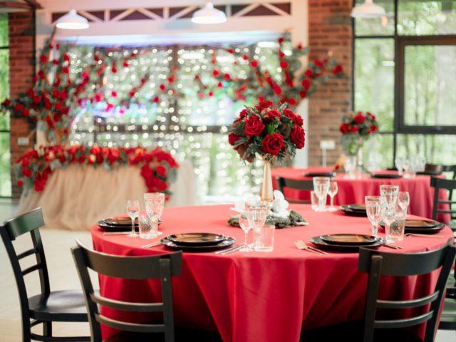 Оформление столов свадьба в красном цвете