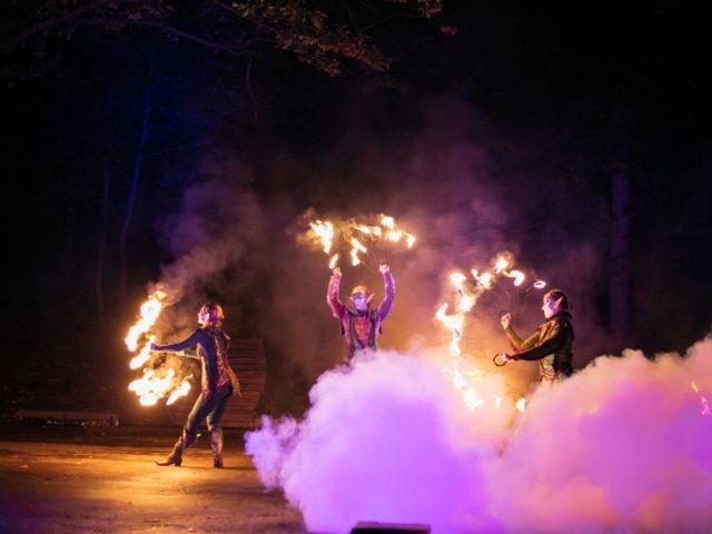 Огненное шоу красивый финал современной свадьбы
