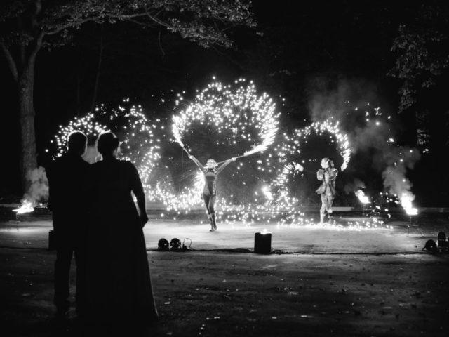 Огненное шоу на свадьбе