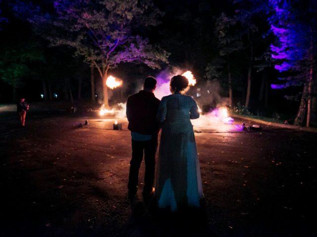 Огненное шоу на тематической свадьбе