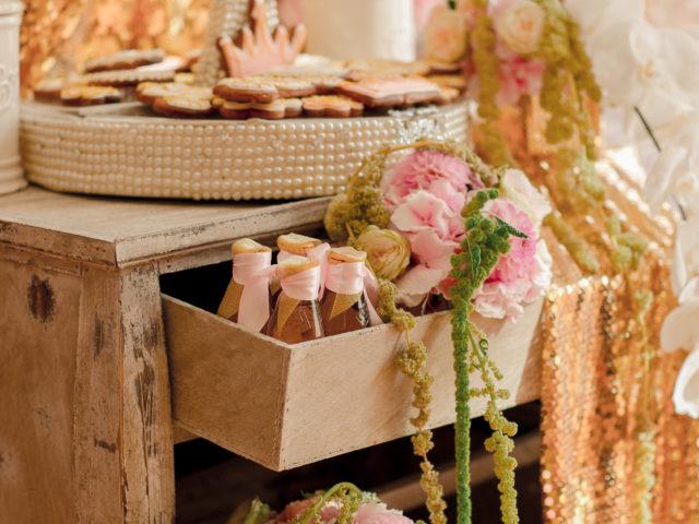 Тематический свадебный декор