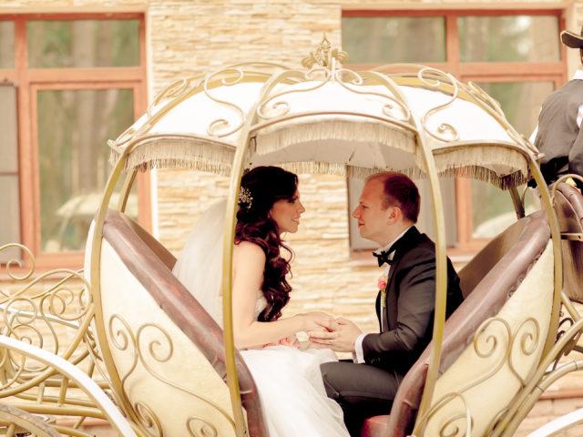 Карета на свадьбе Золушка
